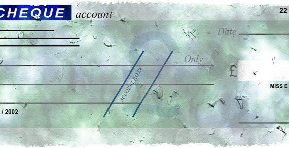 Falsità commessa su un assegno bancario munito della clausola di non trasferibilità