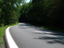 Enti pubblici proprietari di strade aperte al pubblico transito, obblighi di manutenzione delle strade