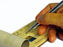 Assegno bancario, rapporti tra traente e prenditore, promessa di pagamento