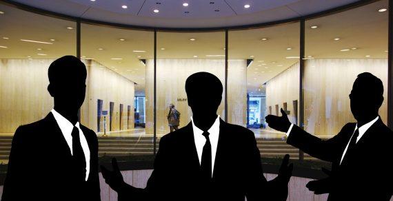 Attività professionale (commercialista, avvocato) scopo di concorrere ad un'associazione per delinquere