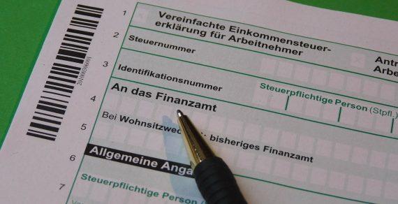 Dichiarazione infedele, il reato si intende perfezionato con la presentazione della dichiarazione annuale infedele
