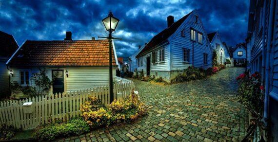 Distanze legali, natura abusiva della costruzione